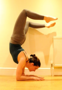 Elbow-stand
