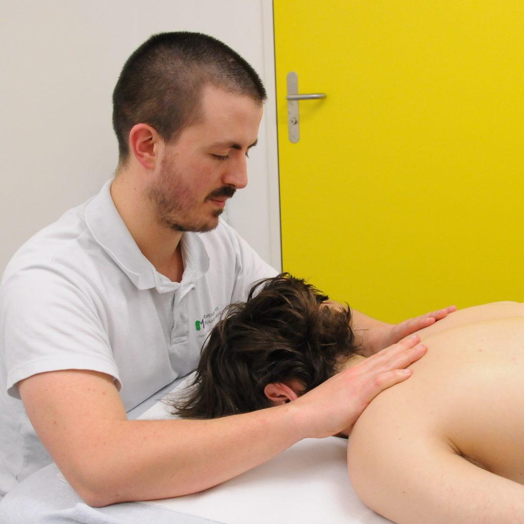massage nuque épaules