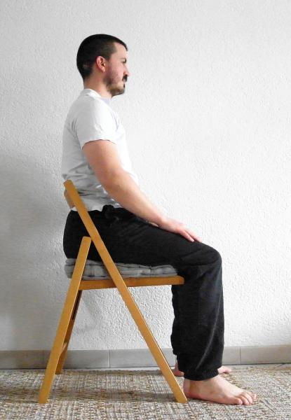 chaise Sam assis